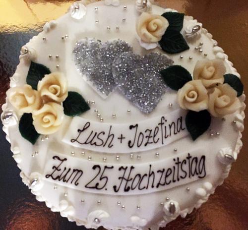 Cafe Conditorei Backerei Spatz Torten Hochzeitstorten